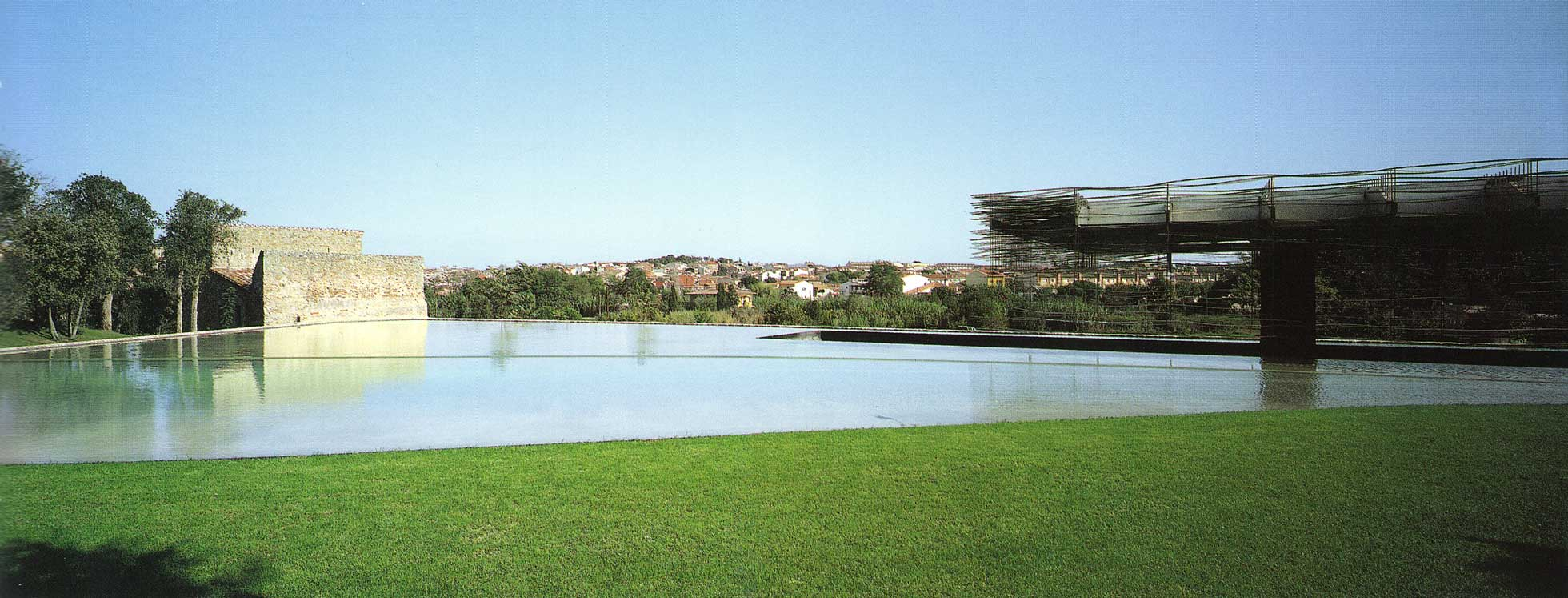 Pavilion on the lake Llagostera